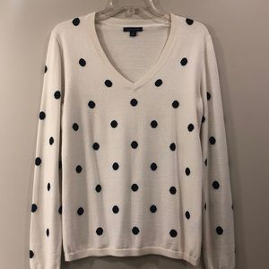 NWOT-Tommy Hilfiger Sweater w/Navy Polka Dots